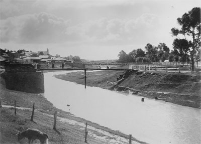Early 20th century version of Burra's Bridge Street bridge